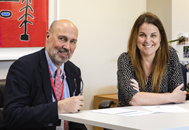 Photograph of Prof Paul Parizel with Dr Lesley Bennett
